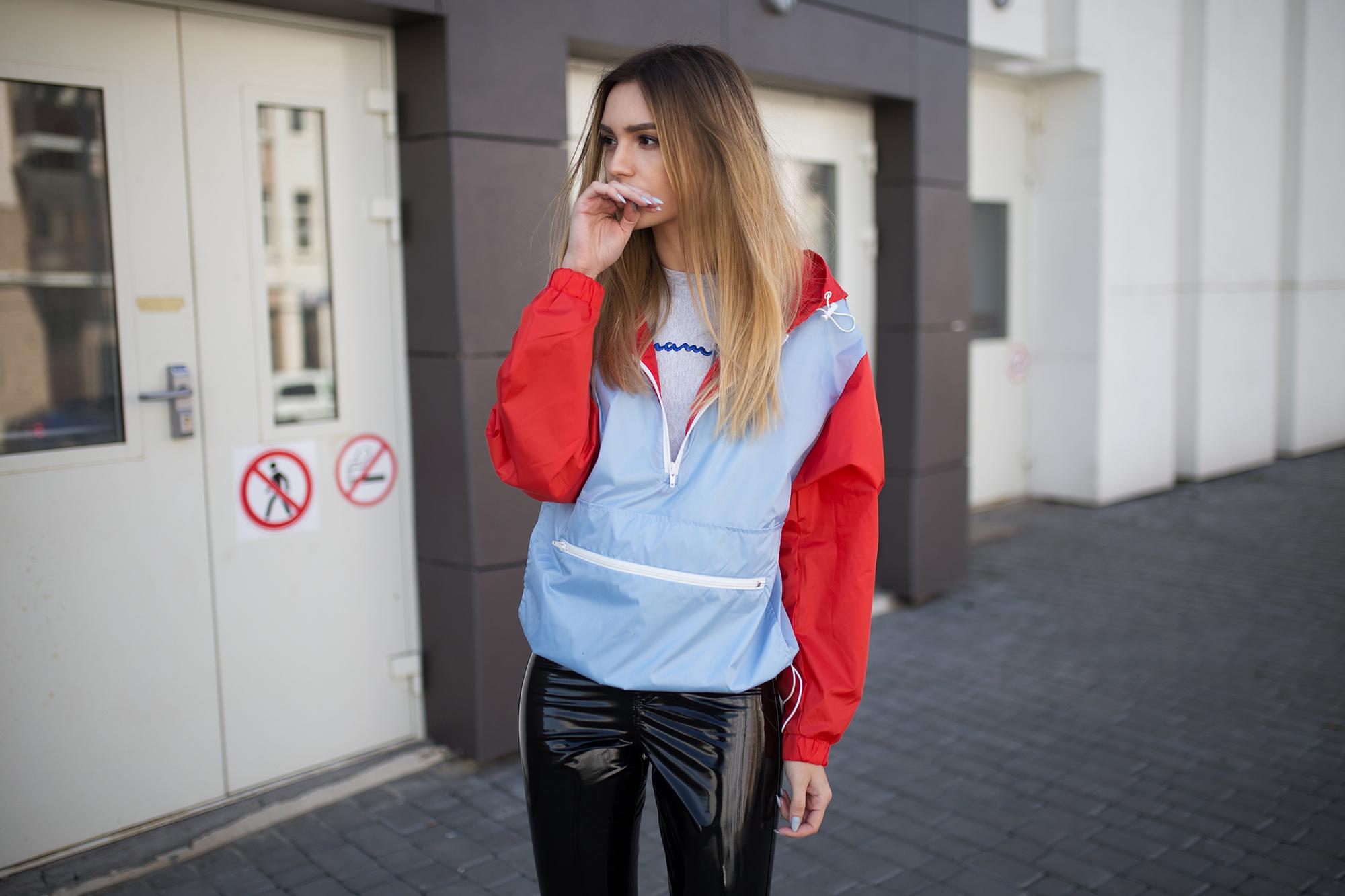 sporty-anorak-windbreaker-straat-tyle-outfit