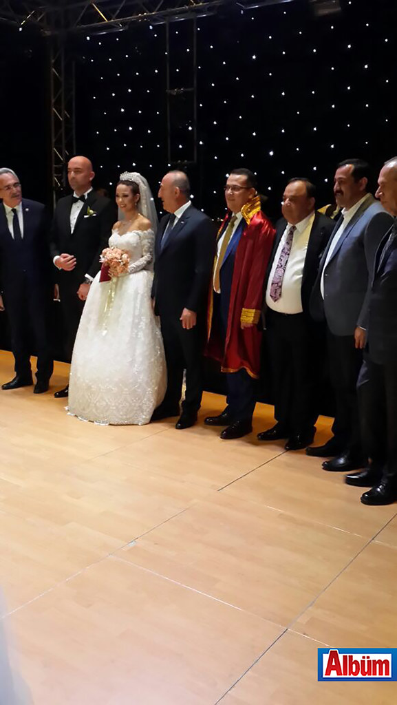 Nikahlarını Çavuşoğlu kıydı ( Yeliz Yakar ve Mehmet Palancı düğün)9