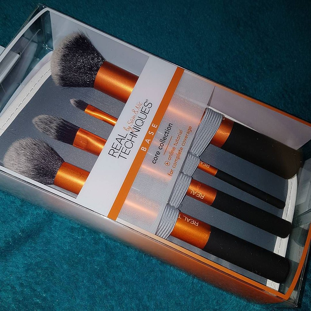 ... My first foray into Real Techniques makeup brushes, via super early birthday pressie (thanks