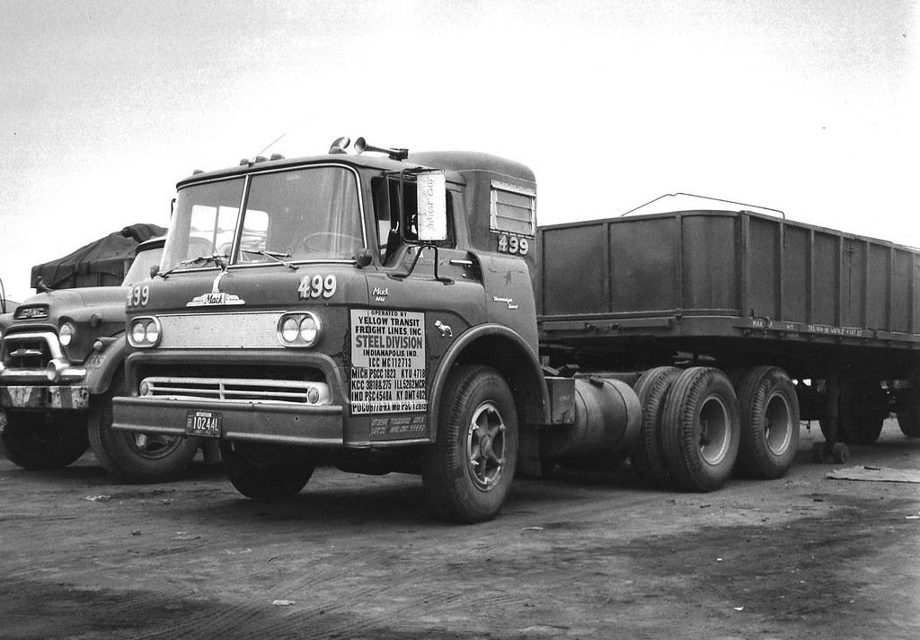 Mack N61 diesel | Mack's version of the Budd cab also used ...