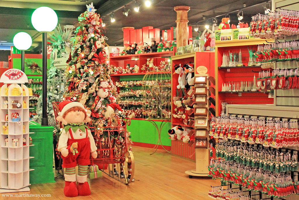 Image result for PHOTOS OF LITTLE ITALY NYC CHRISTMAS