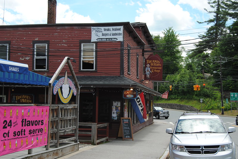 Truants Taverne, North Woodstock, NH