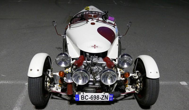 Tricyclecar JZR 500Cx Baboon sous éclairage de parking public - Avril 2017 33888267402_19723c3520_c