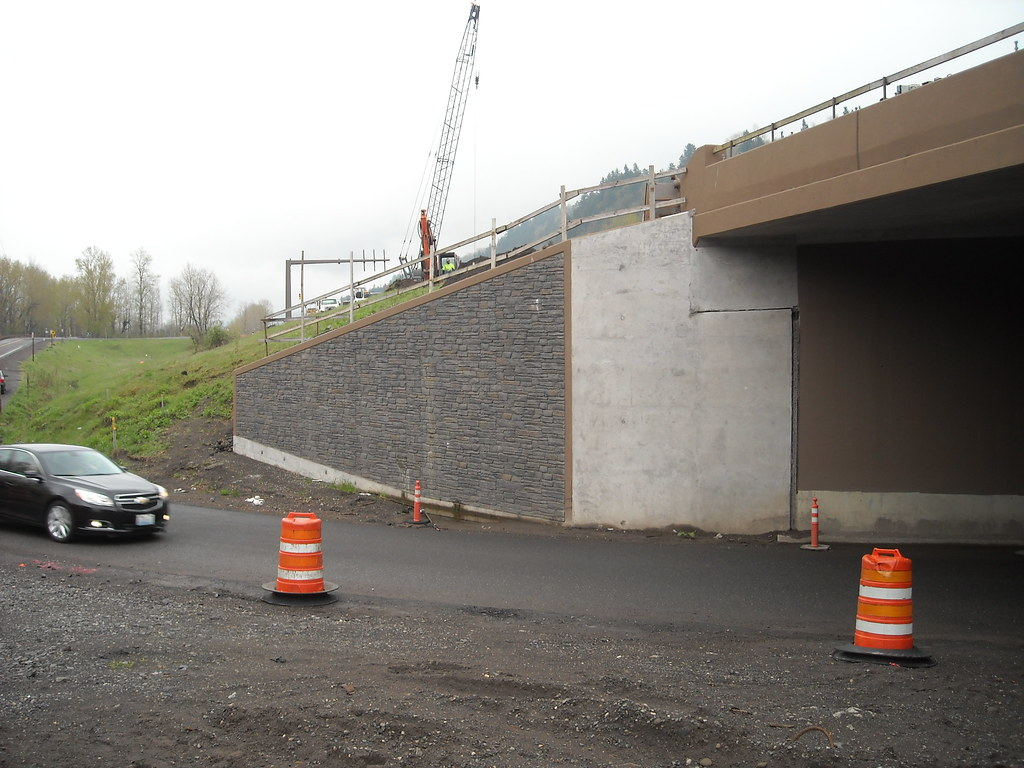 I 84 Sandy River Bridge Wing Wall 7 After The Concrete