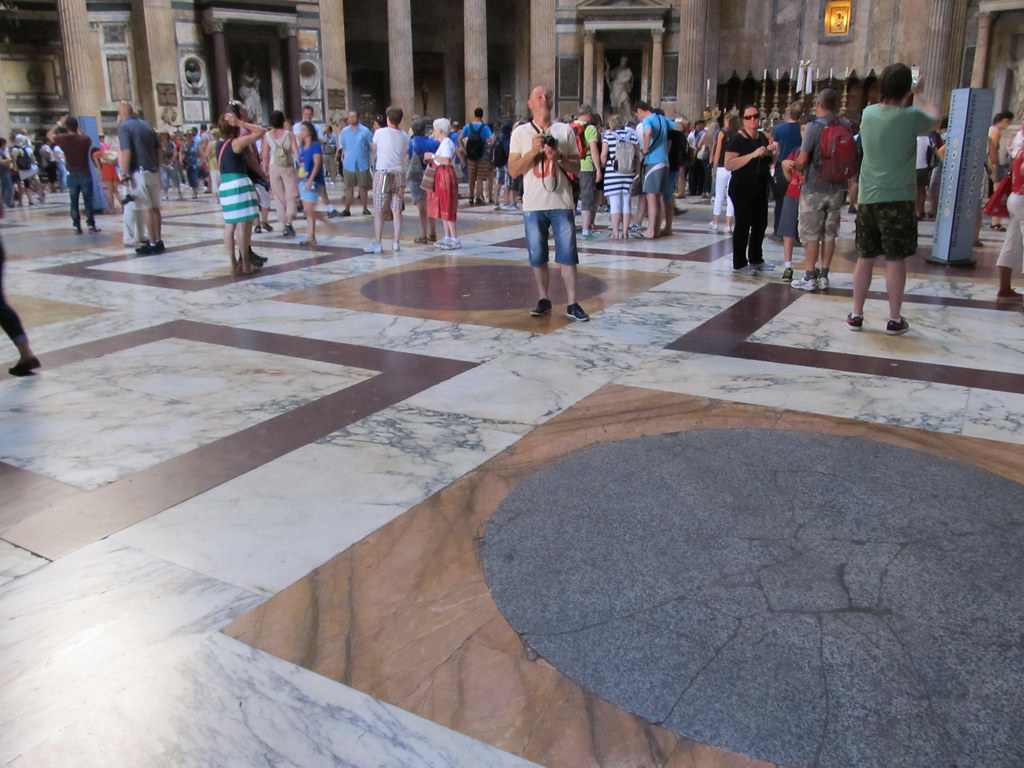 Pantheon Floor Pattern : Pantheon floor circles and squares are a dominant