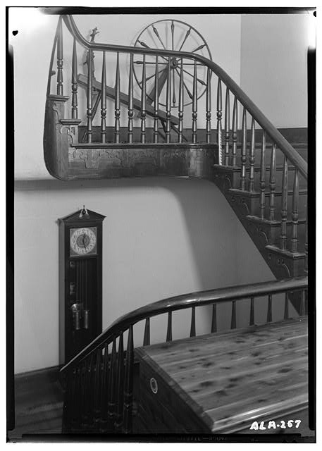 Oak Manor stairs 006776pr