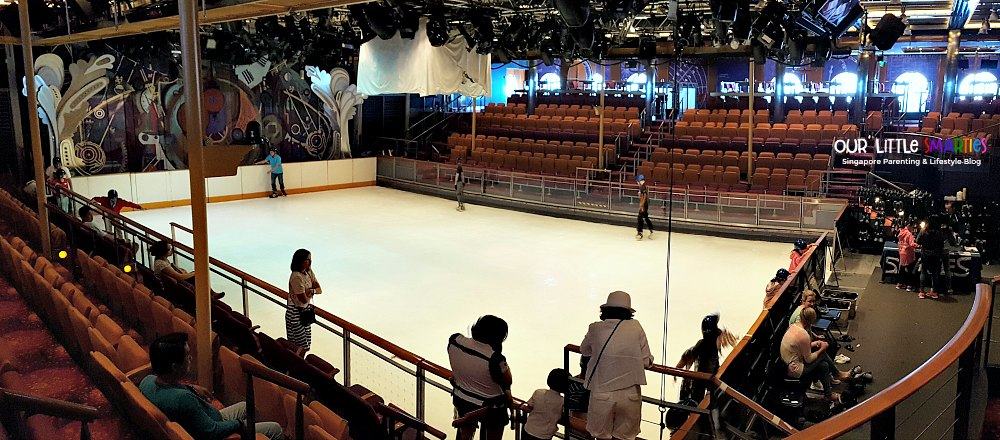 Mariner of the Seas Ice-skating ring
