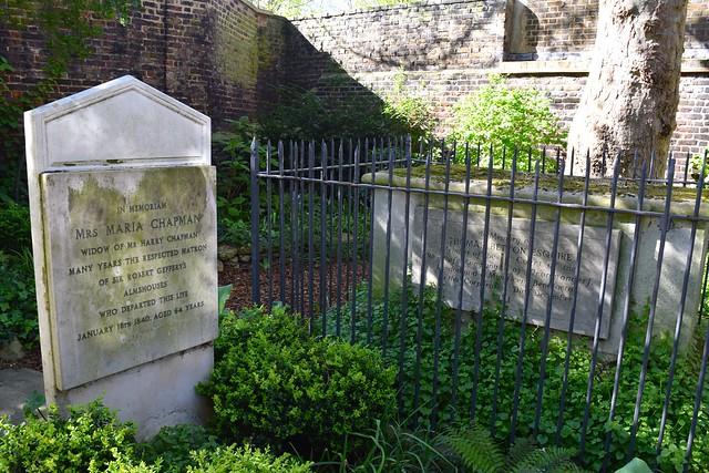 Graves at The Geffrye Museum of the Home | www.rachelphipps.com @rachelphipps