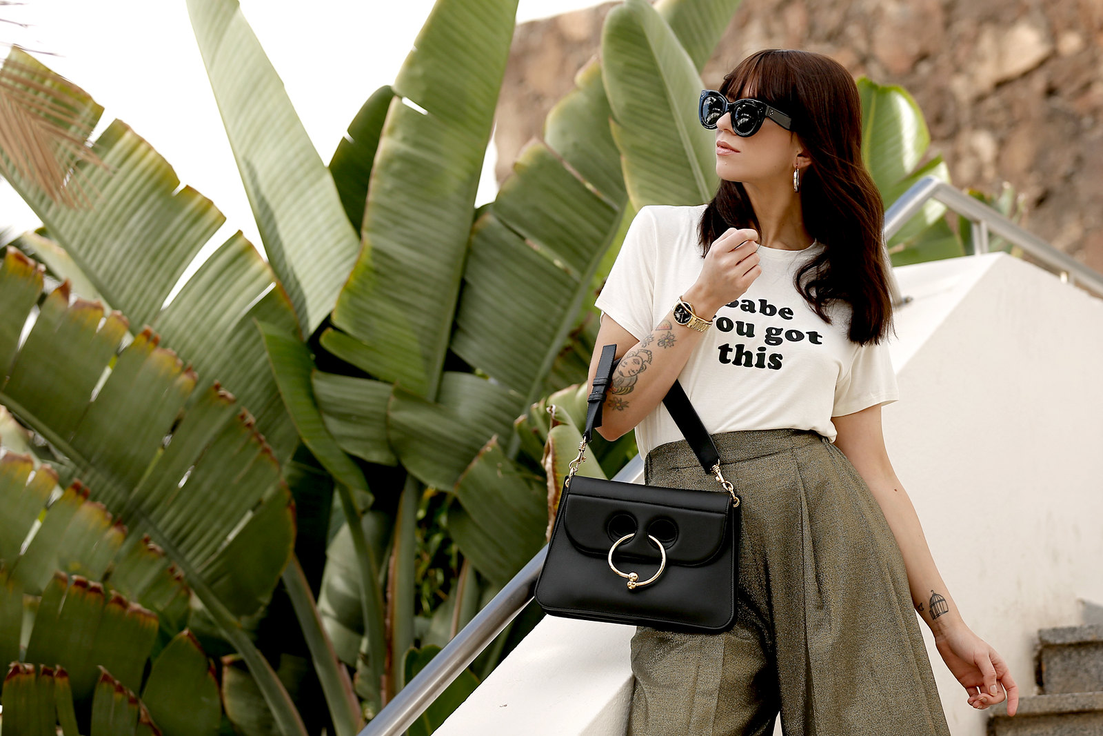 outfit statement print shirt quote cute bangs brunette holiday travel banana leaf palm tree tropical culottes zara j.w.anderson pierce bag céline audrey sunglasses birkenstock sandals cats & dogs ricarda schernus fashionblogger modeblog düsseldorf 3