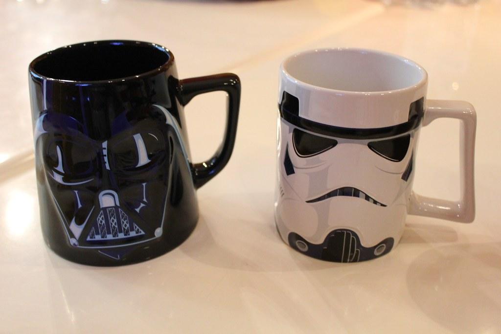 Star wars disney store merchandise reveal inside the for Merchandising star wars