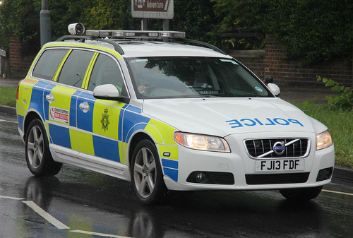 nottinghamshire police volvo v70 d5 roads policing unit tr