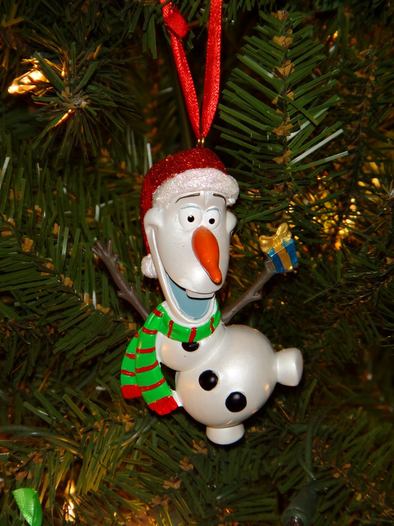Christmas Olaf 3D Ornament - Disneyland Purchase - Hanging… | Flickr