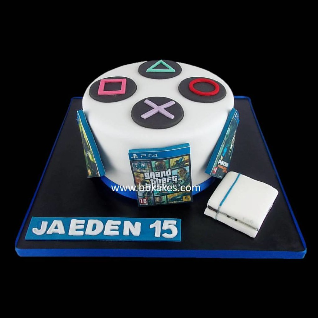 Simple But Effective Ps4 Theme Cake Bbkakes Gamer Ps4ca Flickr
