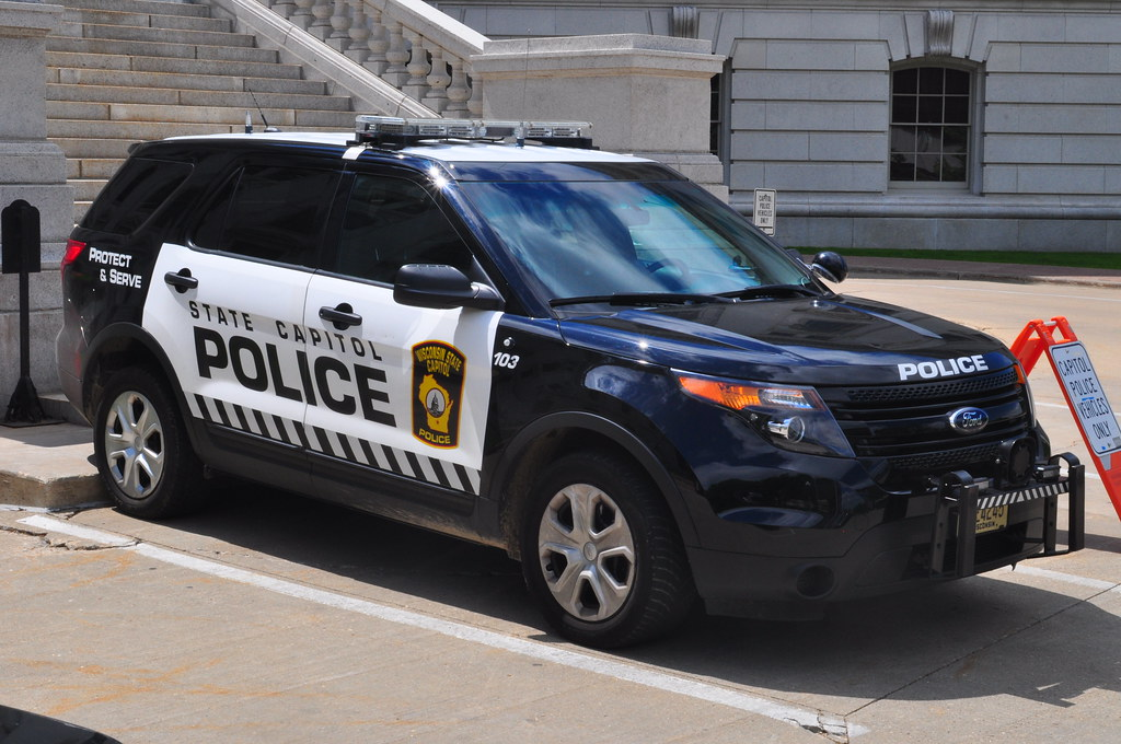 Wisconsin State Capitol Police Ford Explorer Police Interc ...