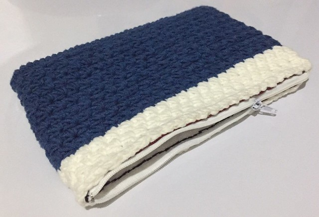 with zipper crochet pouch
