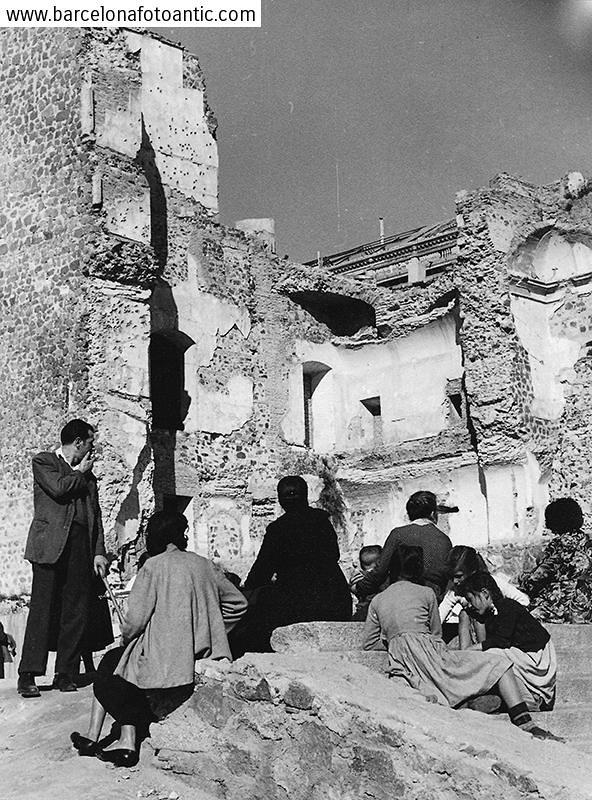 Ruinas del Alcázar en 1955. Fotografía de Joan Miquel Quintilla