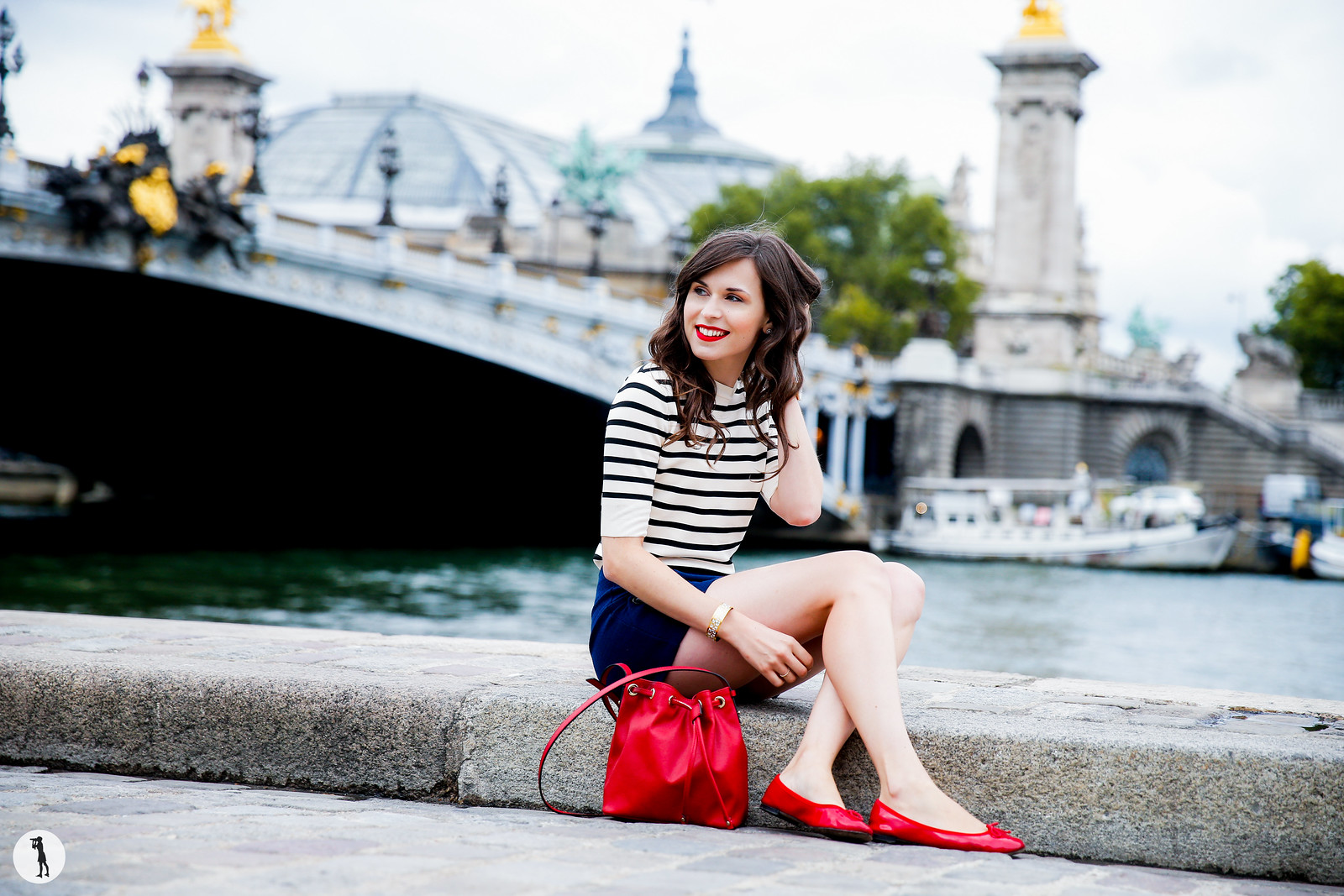 Beauty shooting for Bourjois in Paris. Street style. Daphne mode and the city.
