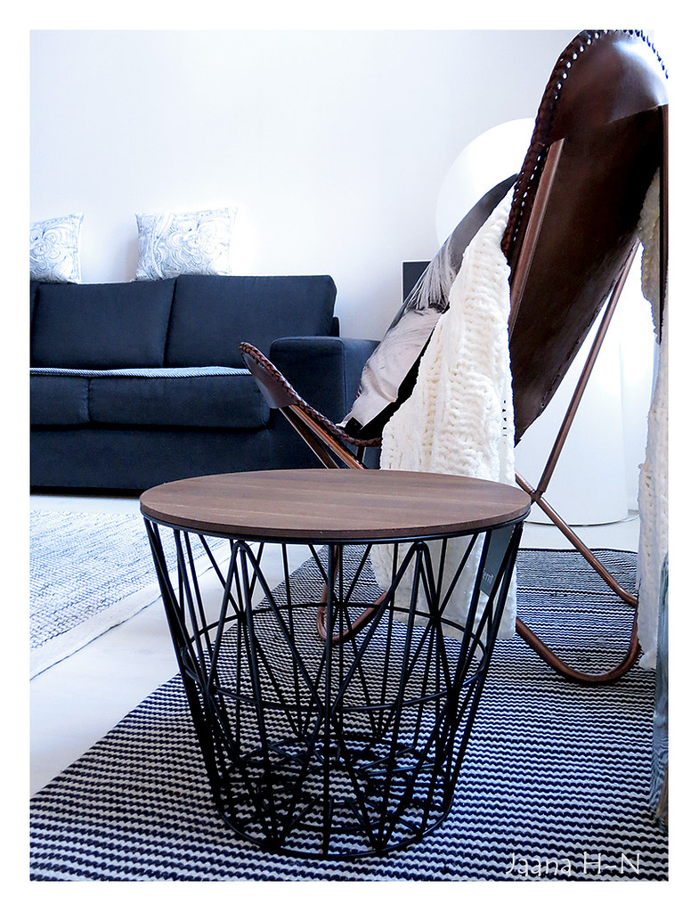 ferm living wire basket small basket top is smoked and. Black Bedroom Furniture Sets. Home Design Ideas