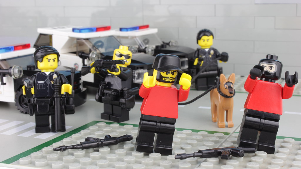 Bank Robbers surrender to LAPD Police | Enjoy Brick Police ...