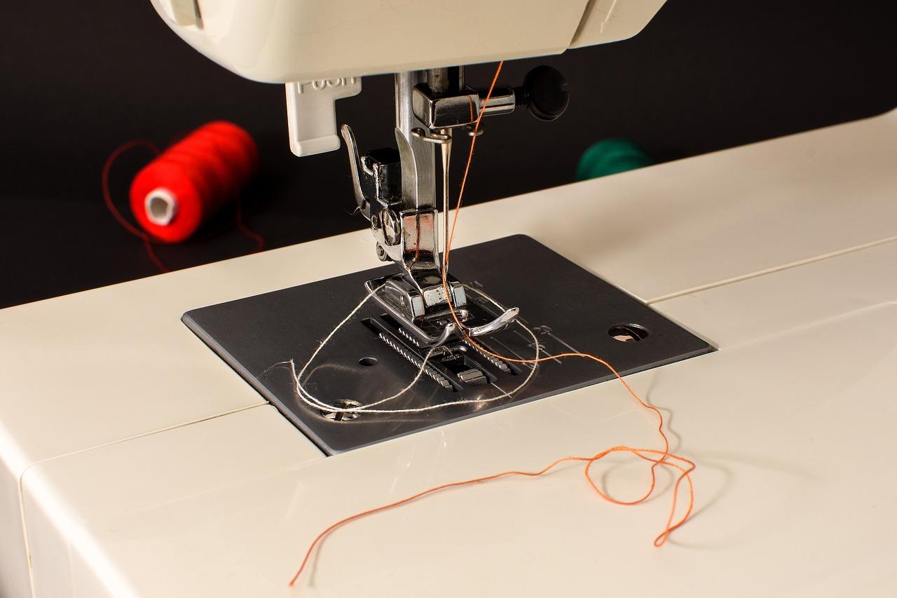 sewing-machine-1734182_1280