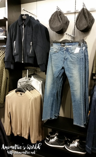 H&M Megamall