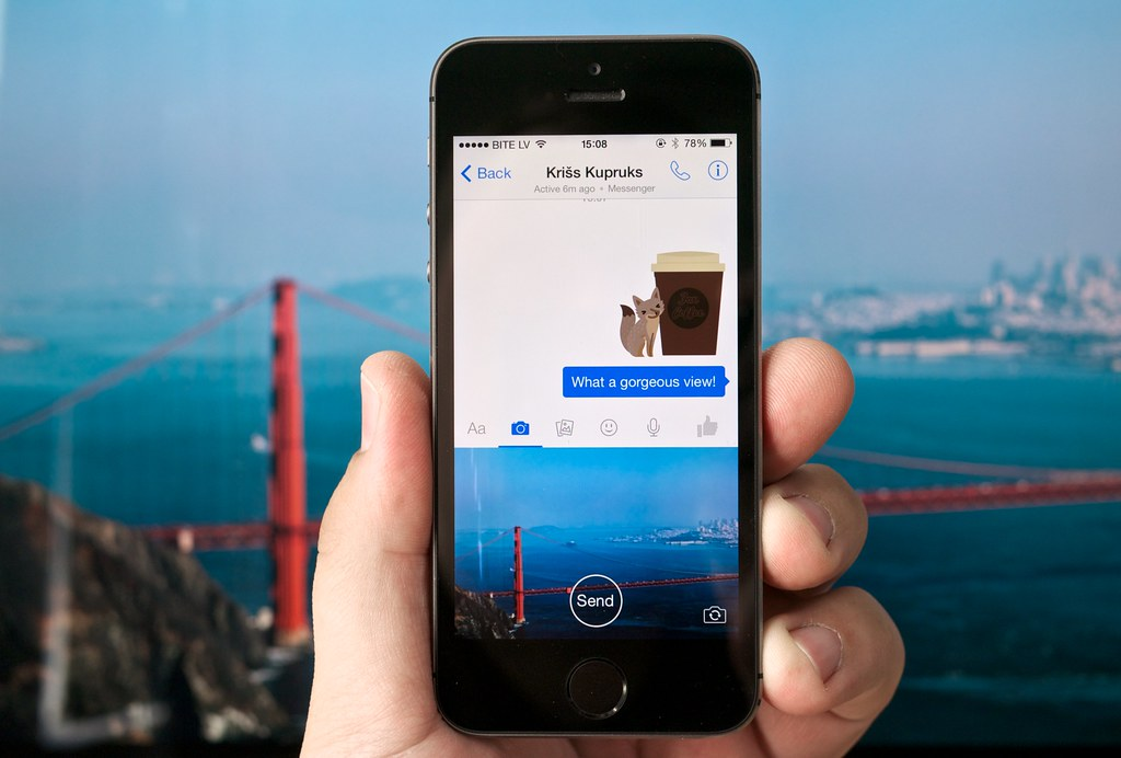 how to delete photos in messenger
