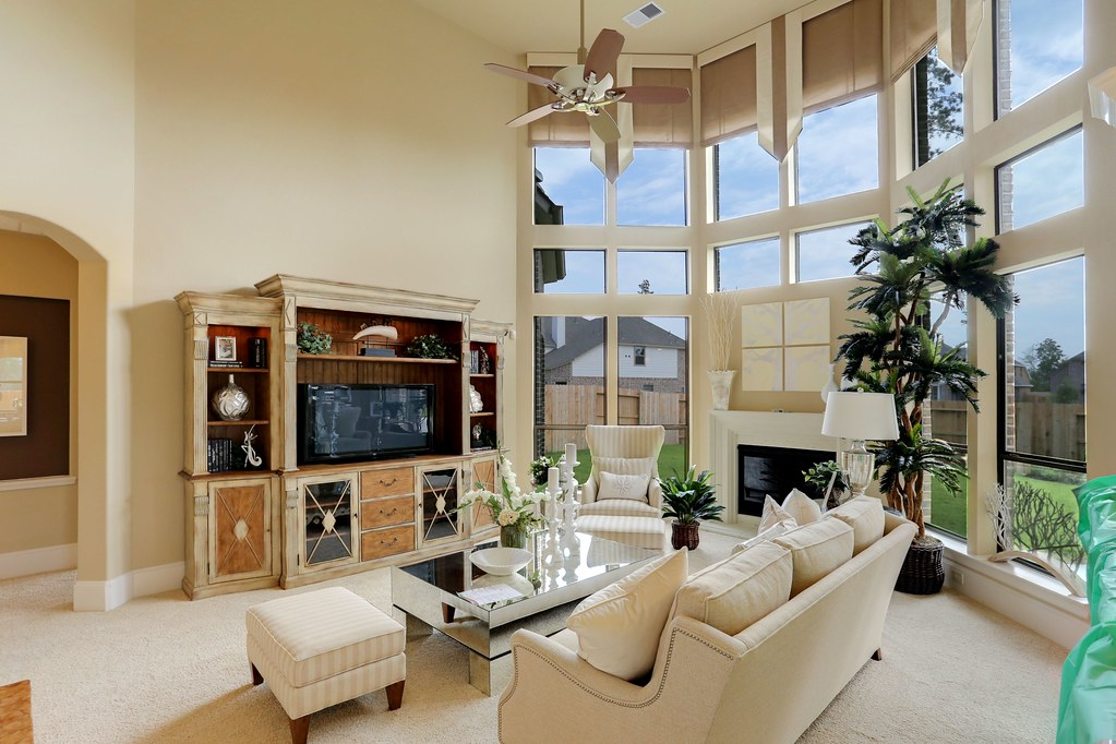 1722 ketelby reach dr castlebrook m harmony model ho for Homes r us living room
