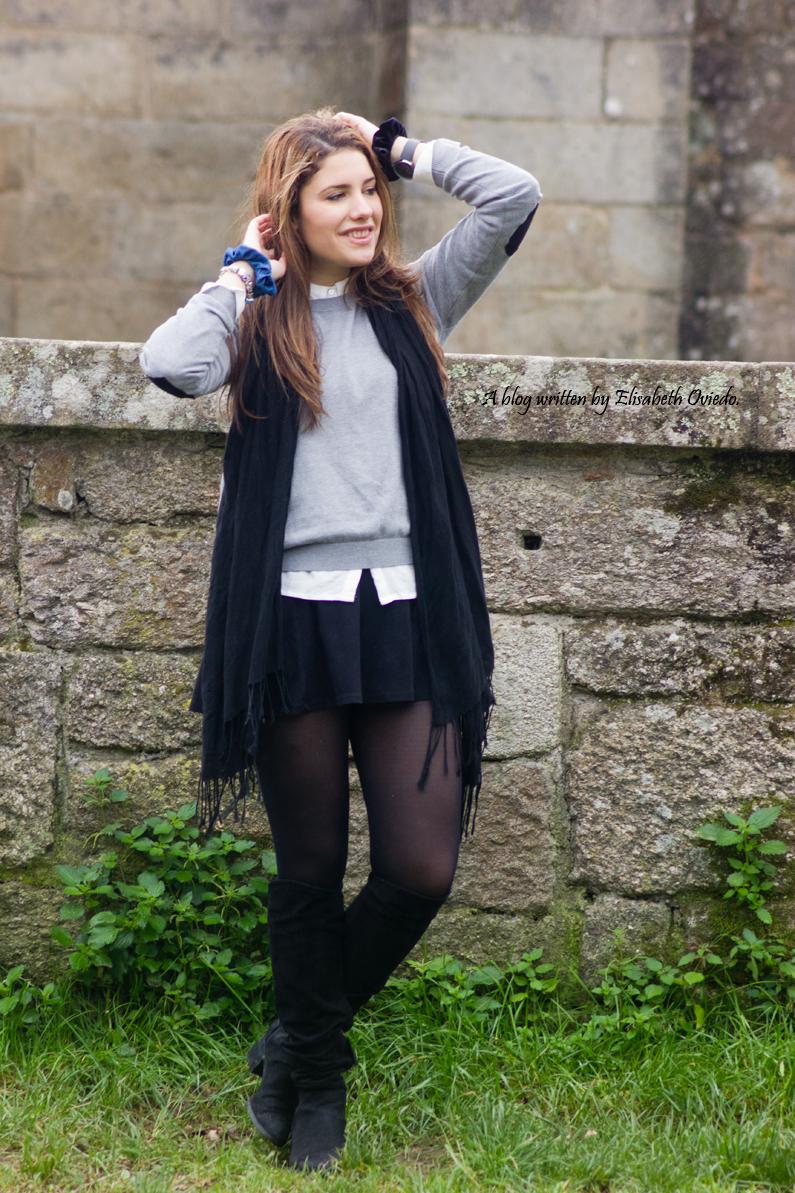 HEELSANDROSES Elisabeth Oviedo LBD con jersey coderas corazones botas altas stradivarius  (7)