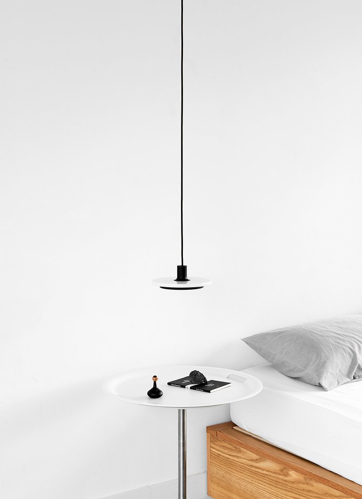 Minimal pendant and floor lamp by London-based designerr Romain Voulet Sundeno_07