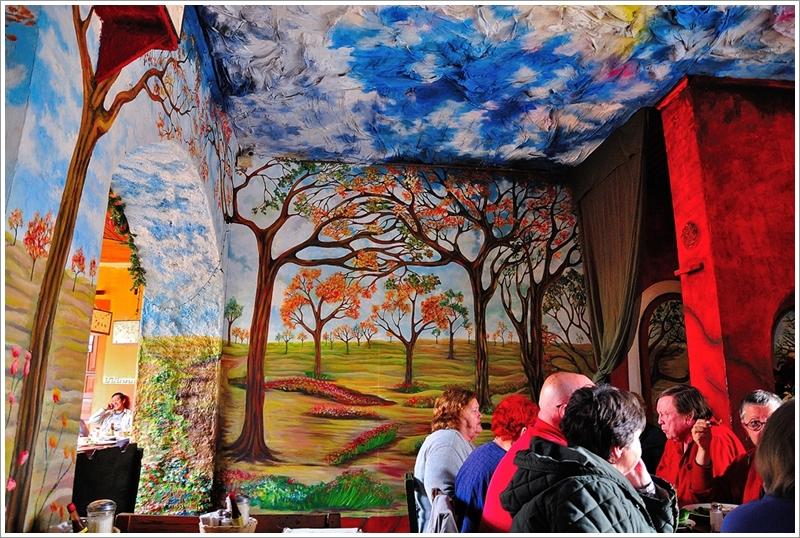 4彩虹咖啡壁畫