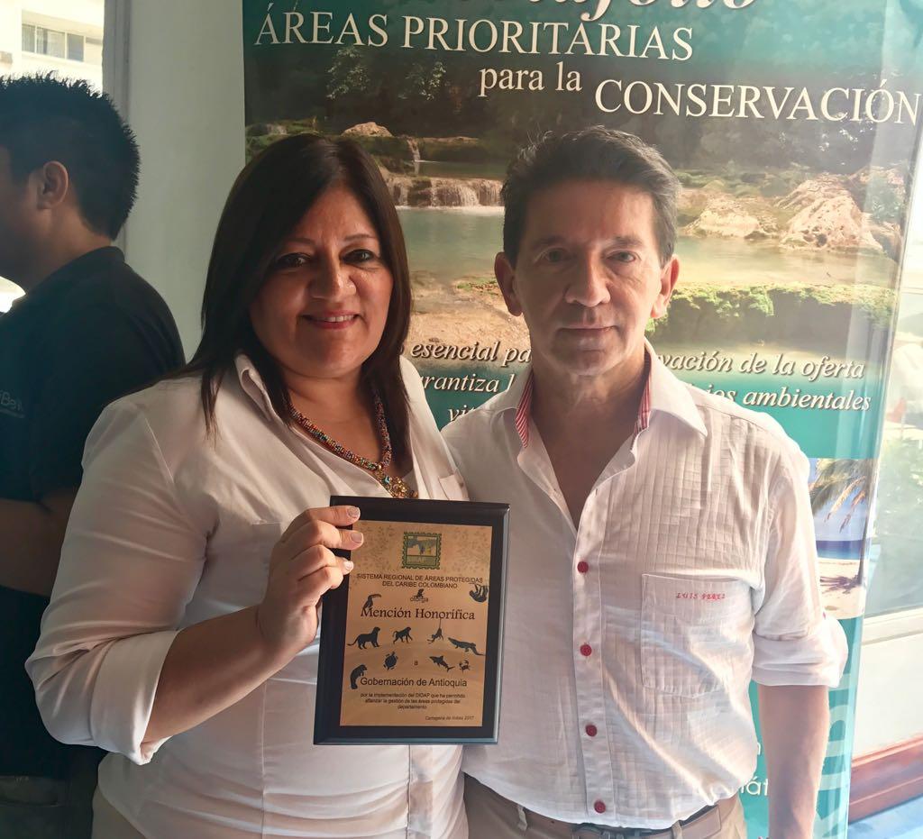 Mención Honorífica por el trabajo realizado en el departamento de Antioquia con las áreas protegidas