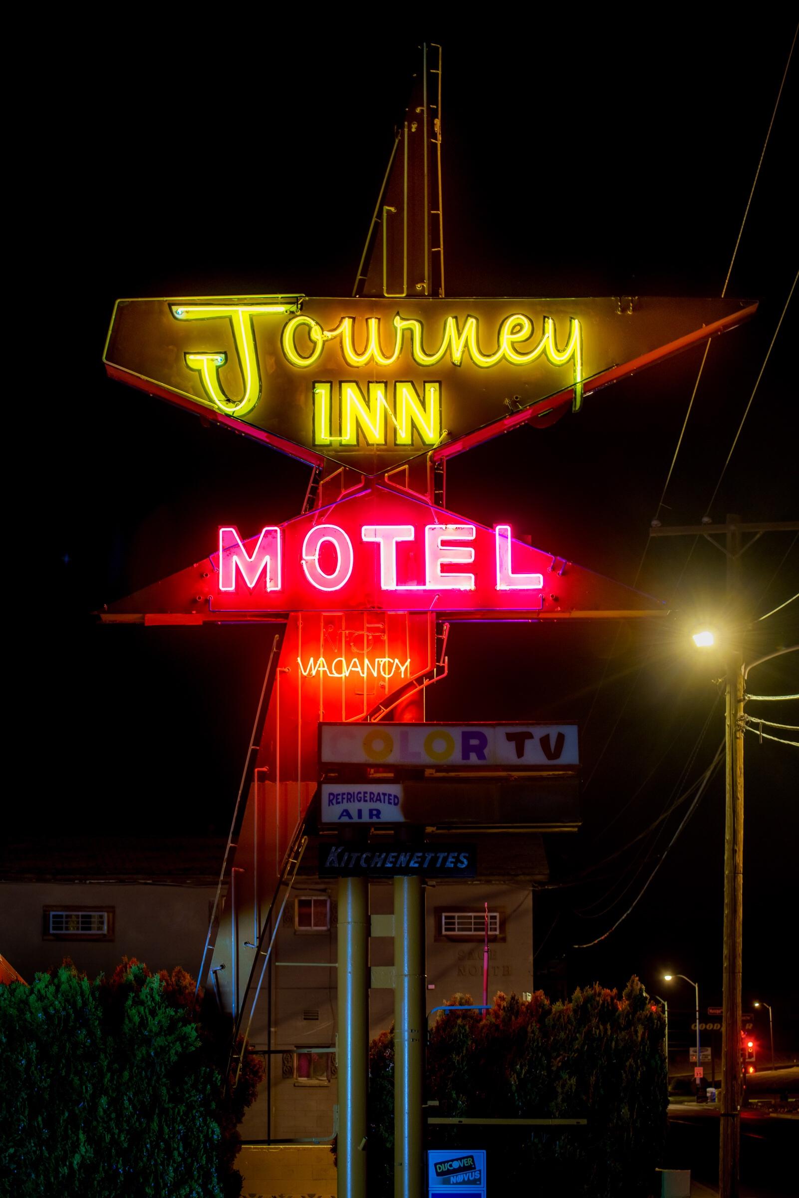Journey Inn - 317 Airport Drive, Farmington, New Mexico U.S.A. - June 14, 2016