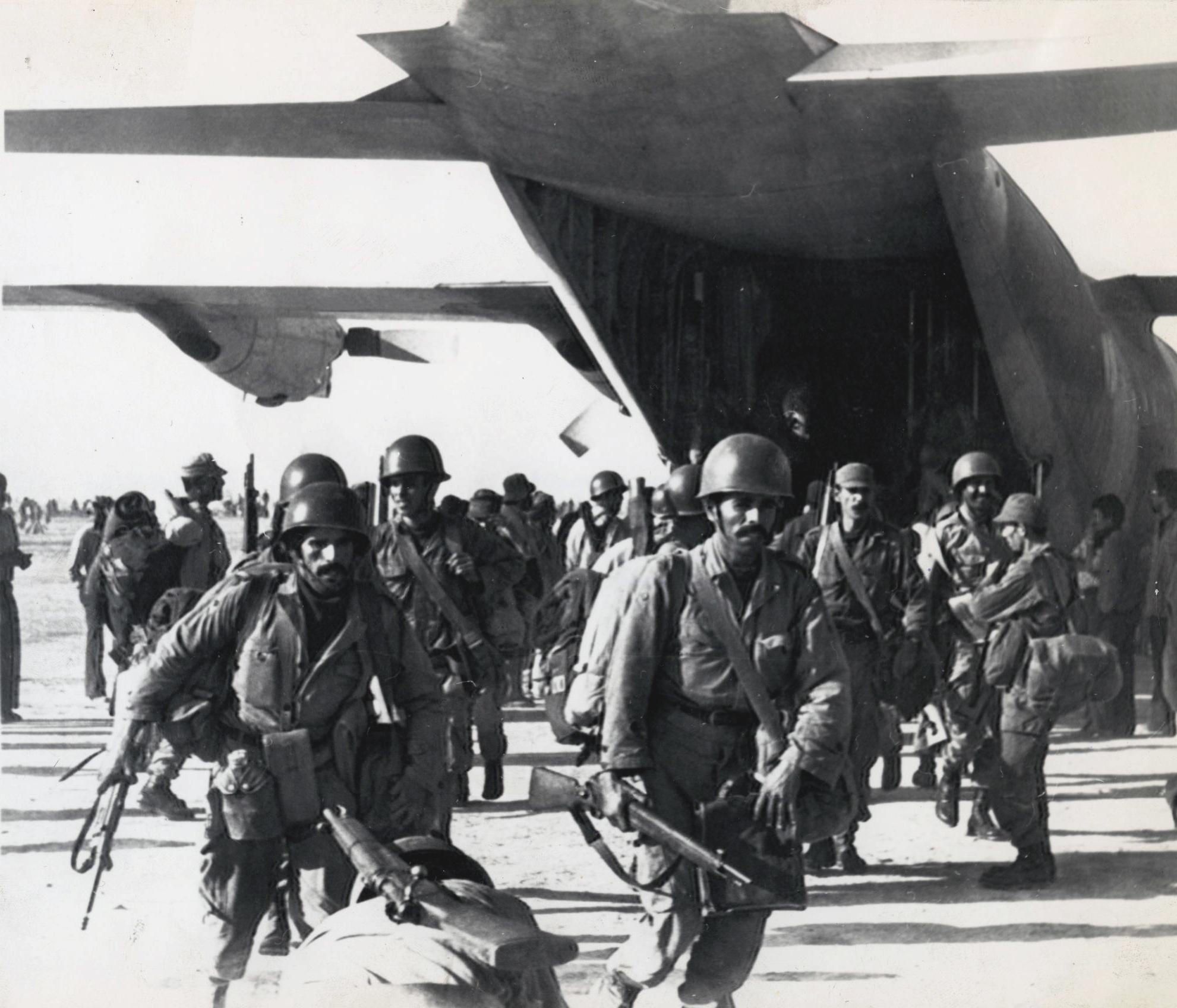 Les FAR durant la Marche Verte 1975 33648261271_54a8e23572_o