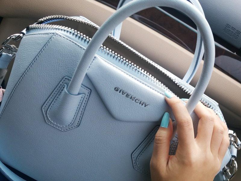 Givenchy antigona light blue