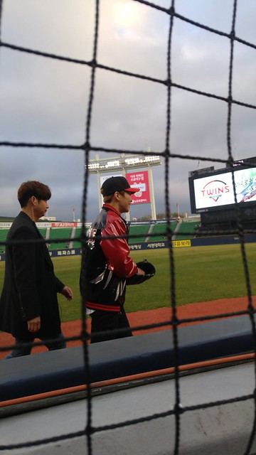 Xiumin @ LG Twins x Samsung Lions Baseball Game First Pitch