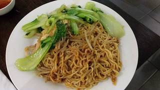 Dry Noodles with Vegetables at Vegeme