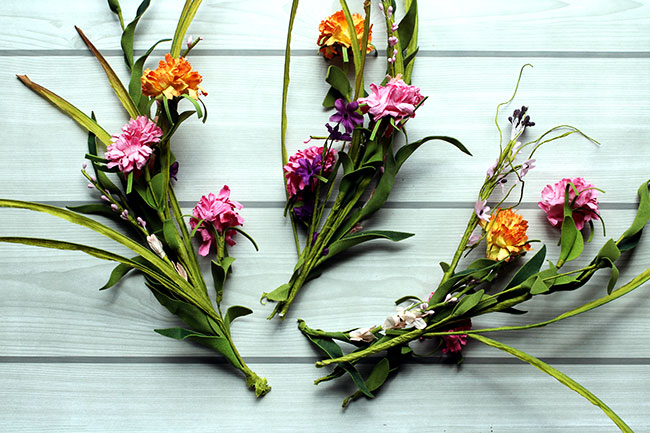 MakeFloralWreath4