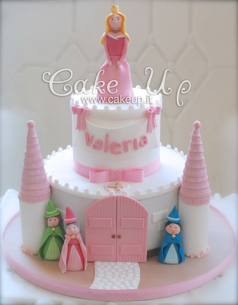 Cake Design Principesse Disney : TORTA CASTELLO PRINCIPESSA AURORA FATINE LA BELLA ADDORMEN ...