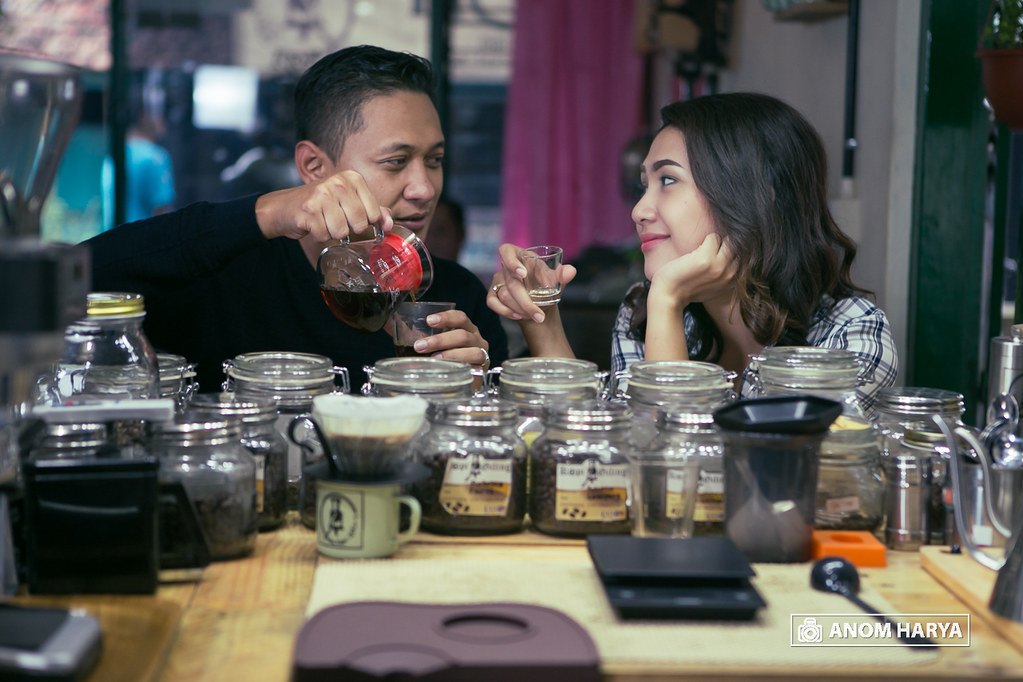 Coffee Shop Prewedding