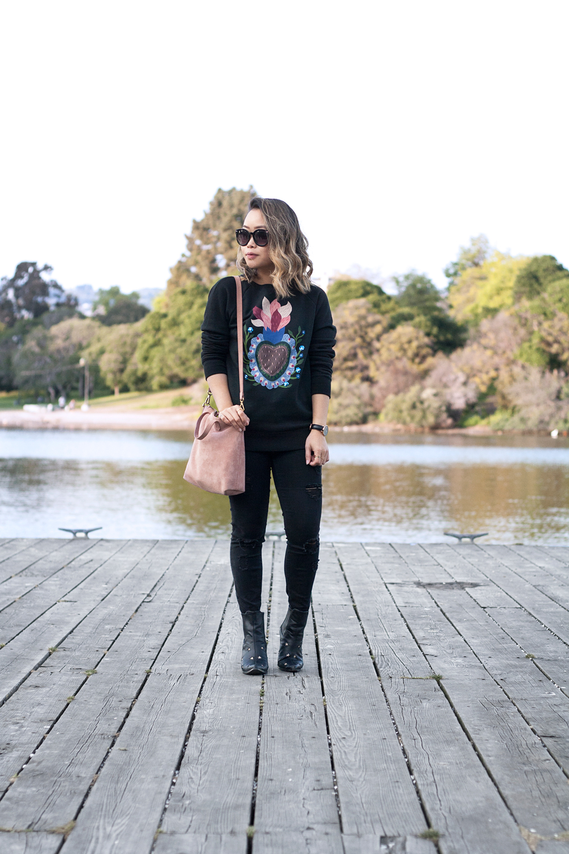 04valentino-graphic-sweatshirt-fashion-style