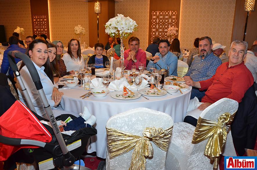 LTS Turizm ailesi Albüm'e poz verdi.
