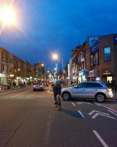 East on Bloor, evening #toronto #theannex #bloorstreetwest #bloorstreet #evening