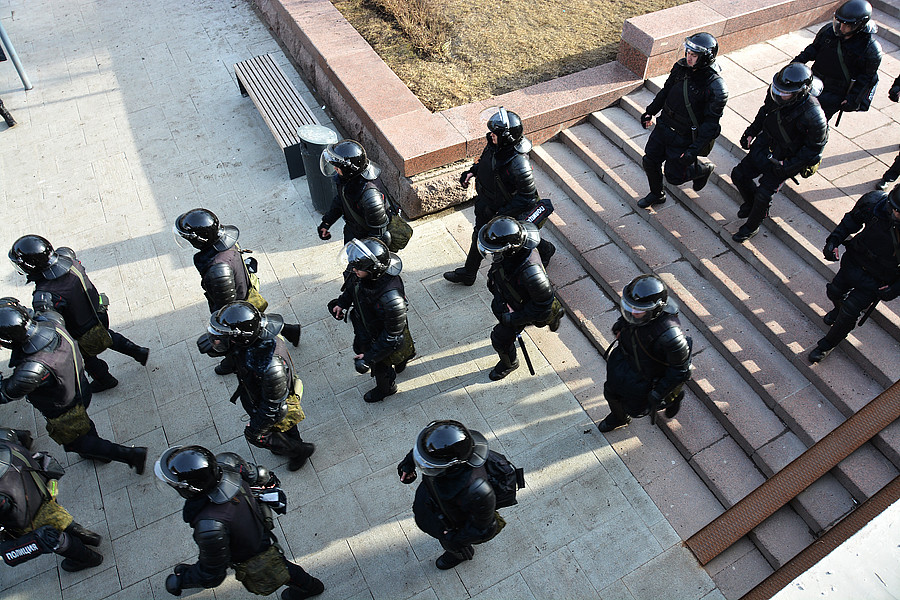 Избиения на митинге Навального