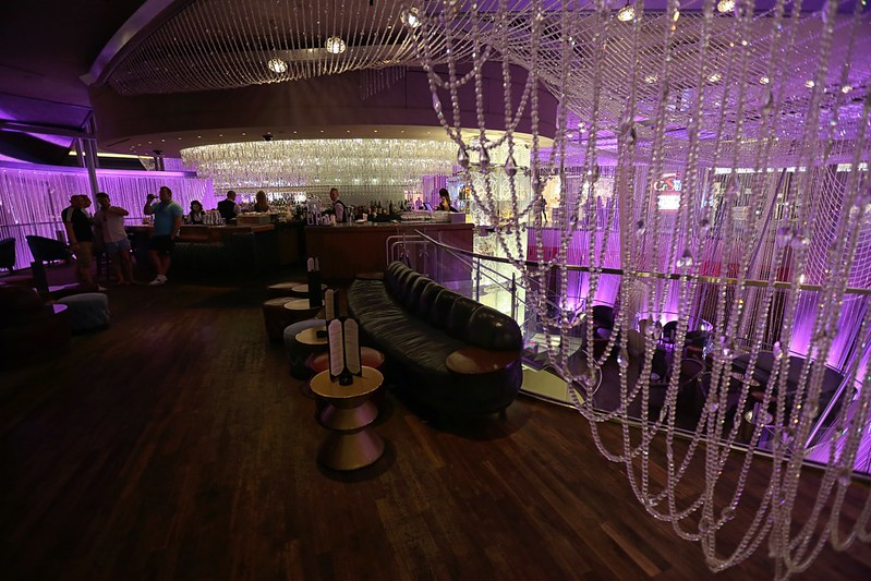 The Chandelier Bar at the Cosmopolitan Hotel in Las Vegas Review ...