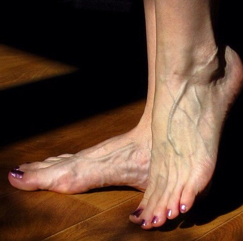 Pretty veins feet and toenails