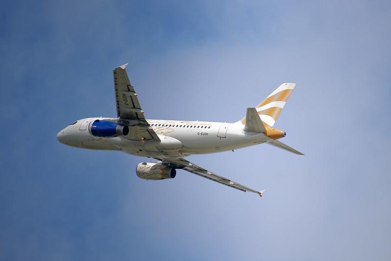 AZAL A319 in Geneva