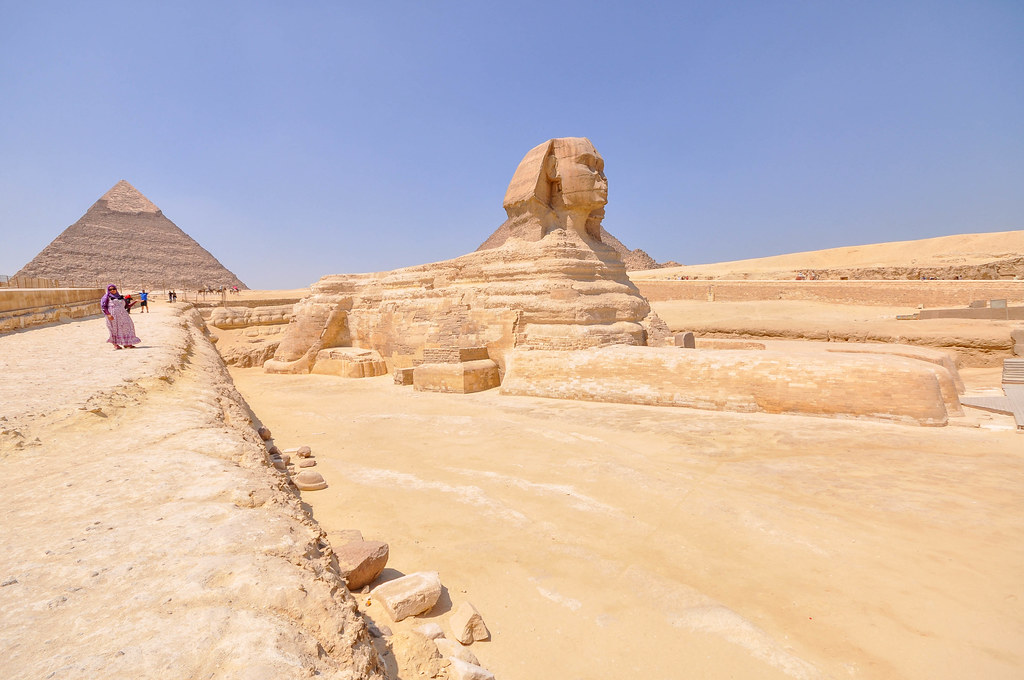 The Great Sphinx Of Giza And The Pyramid Of Chephren Flickr
