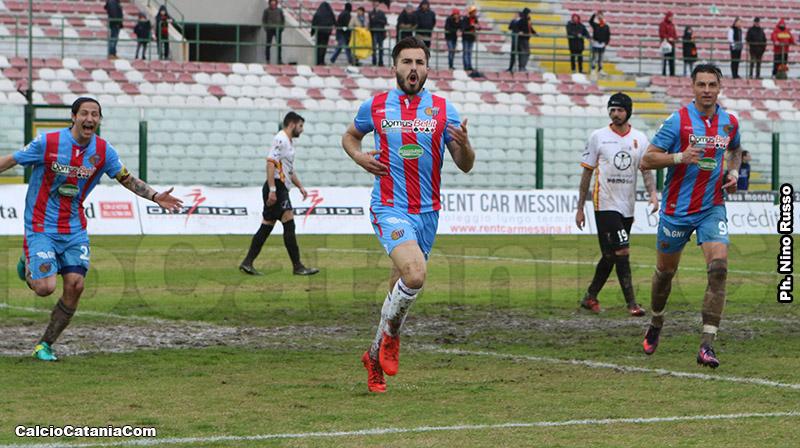 L'esultanza di Maks Barisic dopo il gol vittoria al Messina