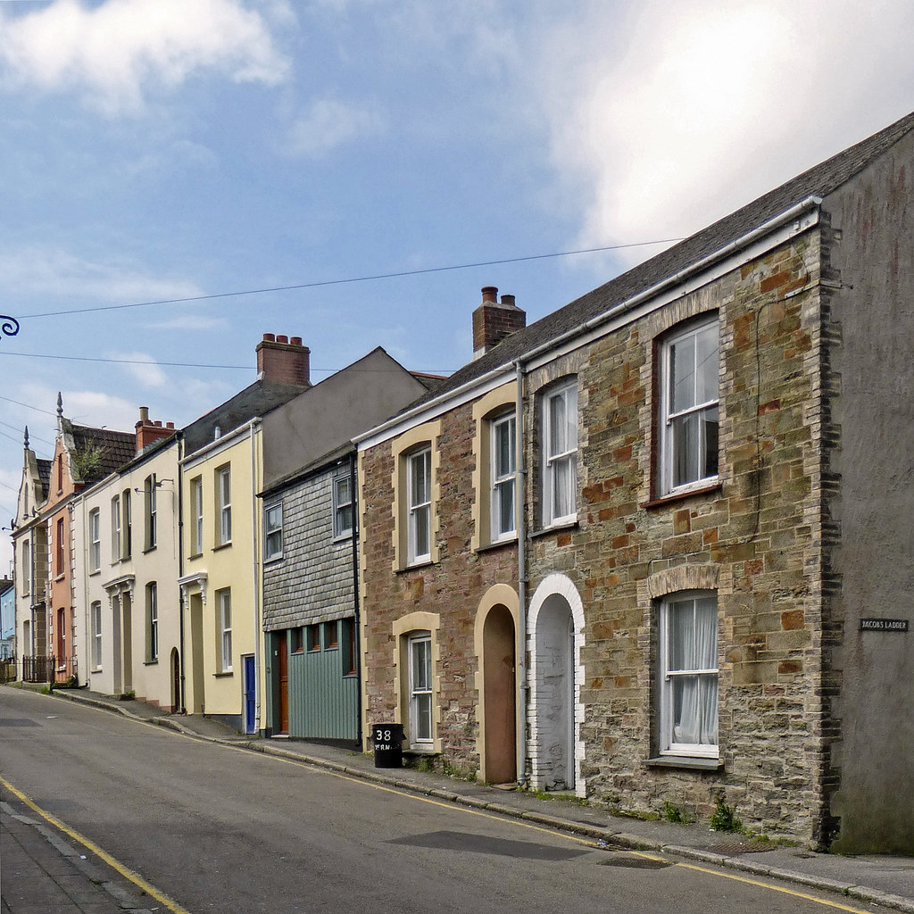 Thumbnail 4 Bed Property In Quay Street Falmouth