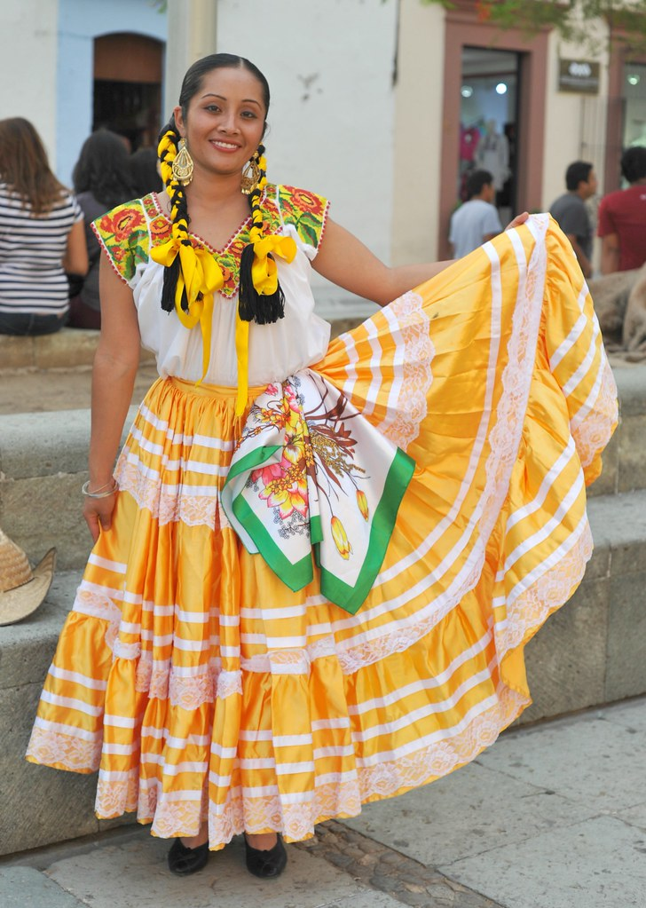 Oaxaca Beauty Mexico | This woman was waiting to ...